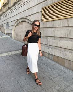 black tee and white midi skirt outfit White Skirt Outfits, White Midi Skirt, White Skirts, Summer Work Outfits, Spring Outfits, Chic Outfits, Fashion Outfits, Fashion Tips, Dressy Outfits