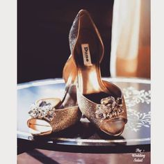 Our Pre Curated Gallery of Latest designer wedding Shoes for Indian Brides. We have stunning Stilettos for Every Bride. Golden Shoes, Designer Wedding Shoes, Indian Wedding Photographer, Sabyasachi, Pretty Shoes, Pumps, Heels, Bridal Shoes, Indian Wear