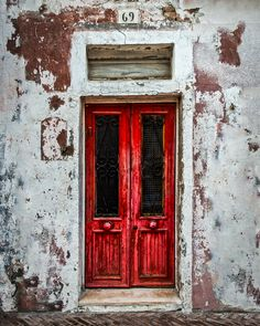 Number 69 has a transomed red door that's been around for awhile. Vintage Doors, Antique Doors, Door Knobs And Knockers, Cool Doors, Old Wall, Rustic Doors, Painted Doors, Windows And Doors, Red Doors