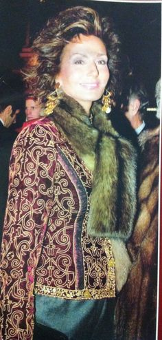 Richard Avedon, Over 50 Womens Fashion, Fashion Over 50, Fashion Styles, Boho Fashion, Valentino, Harper's Bazaar, Older Women Hairstyles, Timeless Beauty