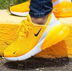 Light it up in the newest flavor of the Nike Air Max 270 C.- Light it up in the newest flavor of the Nike Air Max 270 💡 Coming soon! Cute Sneakers, Sneakers Nike, Nike Trainers, Yellow Sneakers, Running Trainers, Sneakers Workout, Rainbow Sneakers, Latest Nike Shoes, Latest Sneakers