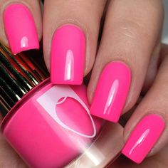 Want some ideas for wedding nail polish designs? This article is a collection of our favorite nail polish designs for your special day. Pink Nail Colors, Pink Nail Art, Pink Nail Polish, Pink Nail Designs, Short Nail Designs, Nail Polish Designs, Nails Design, Cute Nails, My Nails