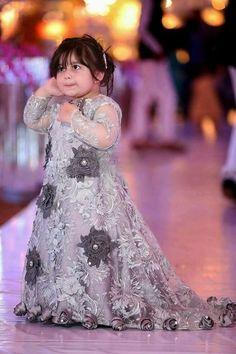 Pakistani Baby Girls Fancy Dresses For Birthday Party, Weddings Girls Fancy Dresses, Wedding Dresses For Kids, Party Wear Dresses, Baby Girl Dresses, Designer Wedding Dresses, Baby Dress, Baby Girls, Eid Dresses, Baby Girl Frocks
