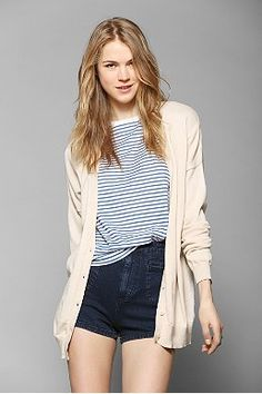 We Love: Layering - Urban Outfitters