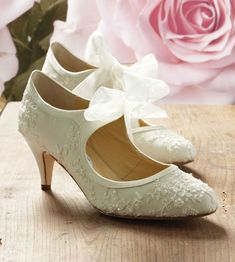 ivory vintage bridal shoes | Diane Hassall Wedding Shoes Miss Alice Vintage Ivory Silk Bridal Shoes