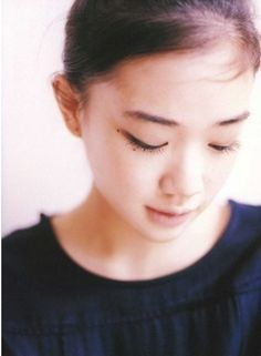 Japanese actress 蒼井優 (Yu Aoi), back in the time when she still had long hair. Yu Aoi, Girls In Love, Sweet Girls, Cute Girls, Cute Poses, Japan Girl, Interesting Faces, Woman Face, Short Film