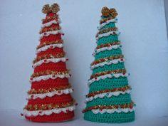 Árbol de Navidad a Crochet - Patrón Gratis en Español y con Videotutorial aquí: http://amigurumilacion.blogspot.com.es/2014/11/arbol-de-navidad-crochet.html