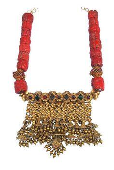 Bridal Jewelry, Gold Jewelry, Beaded Jewelry, Jewelery, Indian Jewellery Design, Jewelry Design, Rajputi Jewellery, India Jewelry, Jewelry Collection