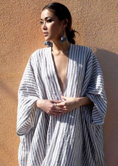 A relaxed, one size linen kaftan with deep v neckline and drop sleeves. Plus Size Maxi Dresses, Summer Dresses, Look Kimono, Kaftan Pattern, Boho Fashion, Fashion Dresses, Gothic Fashion, Pijamas Women, Mode Abaya