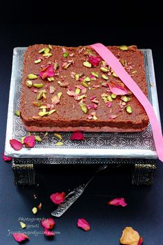 Jagruti's Cooking Odyssey: Chocolate and Rose Indian Milk Cake Indian Dessert Recipes, Indian Sweets, Indian Snacks, Indian Recipes, Desert Recipes, Indian Milk, Fab Cakes, Cake Piping, Plain Cake