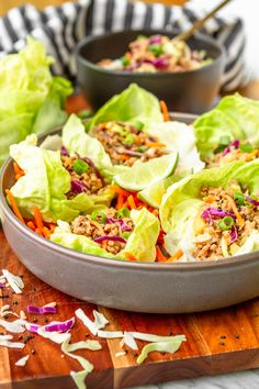 Easy Asian Ground Pork Lettuce Wraps -- this pork lettuce wraps recipe is a total crowd pleaser! Tender browned ground pork mixed with crunc. Ground Pork Recipes Easy, Healthy Pork Recipes, Pork Recipes For Dinner, Asian Recipes, Asian Foods, Filipino Recipes, Quick Recipes, Asian Lettuce Wraps, Lettuce Wrap Recipes