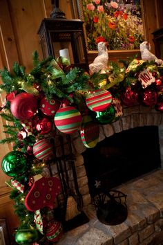 A mantel and fireplace are a great focal point to a family, living or game room. Garlands have long been the go to decorating choice for many decorators. Most green christmas garlands come in Fireplace Mantel Christmas Decorations, Christmas Fireplace, Christmas Mantels, Noel Christmas, Xmas Decorations, Christmas Wreaths, Christmas Crafts, Garland Decoration, Fireplace Mantle