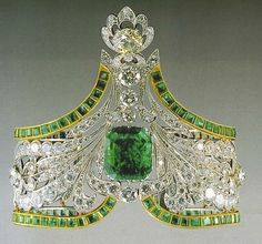 Emerald Russian Crown Jewels (via Crown♚Jewels)....if the crown fits (that's all I am saying!!!)