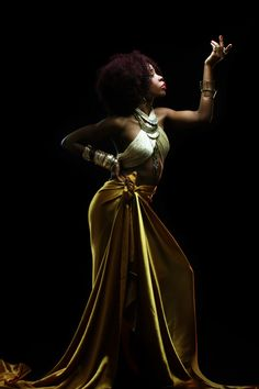 BANTU QUEEN - The Renaissance  Model: Andrea Bomo  Photographer: William NsaiMahogany Soul