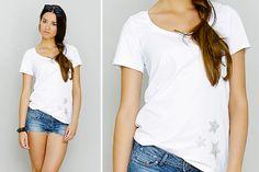 Kostenlos! Werde zum Hingucker im Sommer! Wir zeigen dir, wie du ein lässiges Jersey-Shirt mit Sternen-Applikationen selber nähen kannst. Schau' dir gleich die tolle Anleitung von Julia Korff an und leg' gleich los!