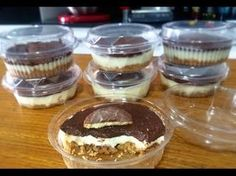 Receita de Torta Holandesa no Potinho - Receita Toda Hora Cake In A Jar, Dessert In A Jar, Mini Desserts, Delicious Desserts, Dessert Recipes, Chia Pudding, 21 Day Fix, Caramel Cookies, Stevia
