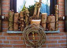 Herbst-Deko mit Holz für die Fensterbank
