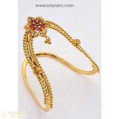 Gold Jewelry In Italy Vanki Designs Jewellery, Indian Gold Jewellery Design, Indian Jewelry, Jewelry Design, Gold Ring Designs, Gold Bangles Design, Bridal Jewelry, Gold Jewelry, Jewelry Necklaces