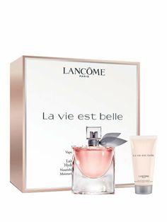 Set cadou Lancome La Vie Est Belle, pentru femei: Apa de parfum, 50 ml; Lotiune de corp, 50 ml.  Note de varf: coacaze negre, para; Note de mijloc: iasomie, iris, flori de portocal; Note de baza: praline, tonka, patchouli, vanilie.