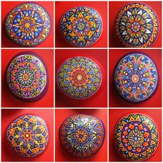 See more ideas about mandala painted rocks, diy rock mandalas and stone man Pebble Painting, Dot Painting, Pebble Art, Stone Painting, Mandala Painted Rocks, Mandala Rocks, Mandala Art, Painted Stones, Rock And Pebbles