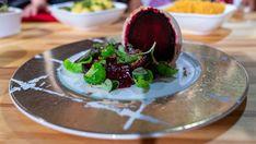 Foto: Tom Øverlie / NRK Ciabatta, Coleslaw, Pudding, Desserts, Food, Tailgate Desserts, Deserts, Coleslaw Salad, Custard Pudding