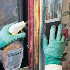 You don't have to call in expensive consultants to work safely around lead paint. Follow these steps to know lead paint removal steps. Deep Cleaning Tips, House Cleaning Tips, Spring Cleaning, Cleaning Hacks, Lead Paint Removal, Homemade Toilet Cleaner, Clean Baking Pans, Cleaning Painted Walls, Glass Cooktop