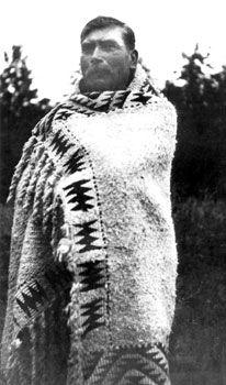 Billy Yacklum with Snuneymuxw blanket Photo courtesy of the Snuneymuxw First Nation