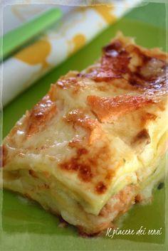 lasagne al salmone affumicato Fish Recipes, Pasta Recipes, Cooking Recipes, Famous Italian Restaurants, Cannelloni, Crepes, Good Food, Yummy Food, Xmas Food