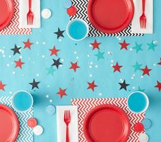 How To: Set the Party Table | Throw an enchanted celebration with the right amount of fun and flair.