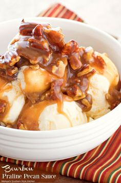 Bourbon Praline Pecan Sauce is like liquid gold. Toasted pecans are smothered in a buttery caramel sauce and topped off with a splash of Kentucky bourbon. Pecan Desserts, Pecan Recipes, Sauce Recipes, Bourbon Recipes, Baking Desserts, Party Desserts, Pie Recipes, Bourbon Pecan Pie, Pecan Pralines