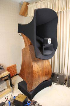 ɤɤ Show Off Your Homemade HiFi Speakers ɤɤ Horn Speakers, Diy Speakers, Built In Speakers, Stereo Speakers, Wooden Speakers, Audiophile Speakers, Hifi Audio, Whole Home Audio, Speaker Box Design