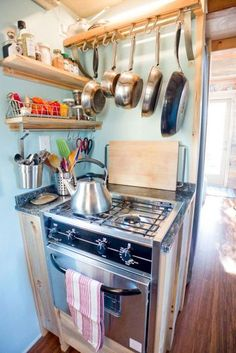 Awesome Tiny Kitchen Design For Your Beautiful Tiny House 270