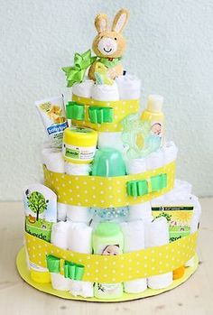 Windeltorte selber basteln The diaper cake is decorated with baby products. Related posts:Fruit tray with watermelon elephants, made for a baby shower .This is not relevant baby shower, but I hope I. Shower Party, Baby Shower Parties, Shower Gifts, Baby Showers, Fiesta Baby Shower, Baby Shower Games, Bolo Fack, Dm Online Shop, Diy Bebe