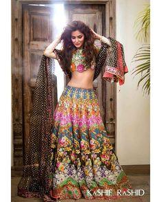 Revinedheart🌙 (@revinedheart) • Instagram photos and videos Pakistani Bridal Dresses, Pakistani Outfits, Indian Dresses, Indian Outfits, Indian Skirt, Pakistani Dramas, India Fashion, Unique Fashion, Mehendi Outfits