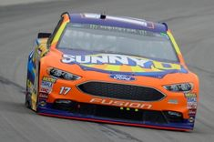 After Leading 10 Laps at Texas, Mechanical Issues Shorten Stenhouse Jr.'s Day at Texas #NASCAR