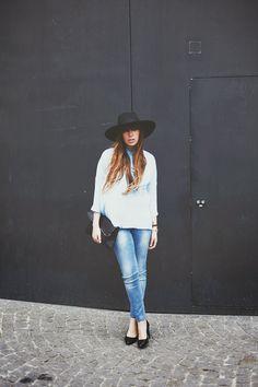 Baby blue jeans | FRINGE&FRANGE