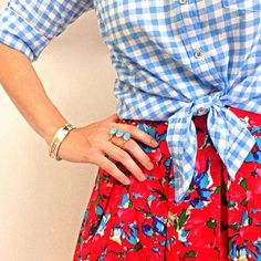 Such a pretty summer combo - gingham & floral. Blue And White Skirts, Pretty Outfits, Cute Outfits, J Crew Outfits, Gingham Skirt, Mixing Prints, Pattern Mixing, Spring Summer Fashion, Dress To Impress