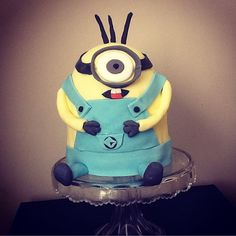 """5 Likes, 1 Comments - Claire Cannon (@claire_likes_cake) on Instagram: """"Minion cake #baking #cakedecorating #cakedays"""""""