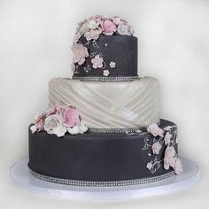3 Tier Grey Wedding Cake - Beautiful wedding cakes in Lahore Wedding Cake Images, 3 Tier Wedding Cakes, Wedding Cake Prices, Beautiful Wedding Cakes, Wedding Cake Designs, Dream Wedding, Wedding Ideas, Contemporary Wedding Cakes, Mothers Day Cake