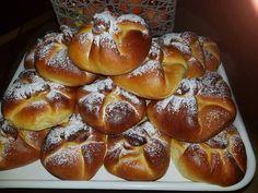 Plăcinte cu brânză , iubitele plăcinte moldovenesti impăturite si umplute cu branză dulce Romanian Food, Pretzel Bites, Caramel, French Toast, Bread, Baking, Breakfast, Health, Sweet