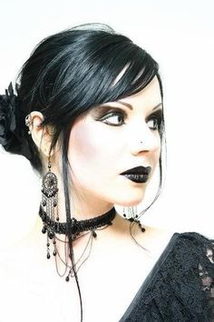 Lovely gothic look! Dark Beauty, Goth Beauty, Gothic Steampunk, Victorian Gothic, Gothic Lolita, Gothic Art, Tribal Fusion, Dark Fashion, Gothic Fashion