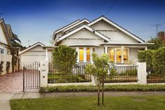 Stone and white Californian Bungalow - 10 Elliott Street ASCOT VALE
