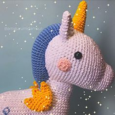 "Amigurumi d'amour 🧸 no Instagram: ""Oi, pexual! 🦄✨ . Andamos meio sumidinhos devido alguns problemas técnicos, mas já estamos de volta à todo vapor! 🎉 . E venho vos apresentar…"" Dinosaur Stuffed Animal, Crochet Hats, Toys, Animals, Instagram, Middle, Amigurumi, Love, Knitting Hats"