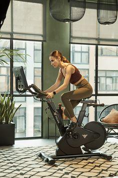 Volava - Fitness that connects Easy Fish Recipes, Avocado Recipes, Best Roast Potatoes, Gaming Room Setup, Fitness Goals, Female Models, Pilates, Fitspo, Healthy Life