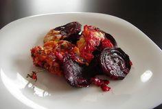 Červená řepa z trouby s balkánským sýrem Tandoori Chicken, Salad Recipes, Salads, Healthy Eating, Cooking, Ethnic Recipes, Fit, Blond, Chemistry