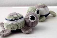 Hæklet skildpadde - Morten skildpadde og frue Crochet Art, Crochet Animals, Crochet For Kids, Crochet Toys, Crochet Patterns, Wood Crafts, Diy And Crafts, Bird Free, Diy Toys