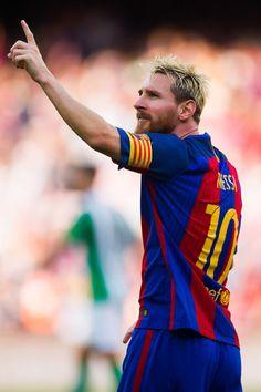 Lionel Messi Photos Photos: FC Barcelona v Real Betis Balompie - La Liga