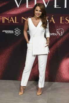 Luxury Fashion and Retail Goods Club White Outfits, Classy Outfits, Work Fashion, Fashion Outfits, Net Fashion, Suits For Women, Clothes For Women, Online Fashion Boutique, Professional Outfits