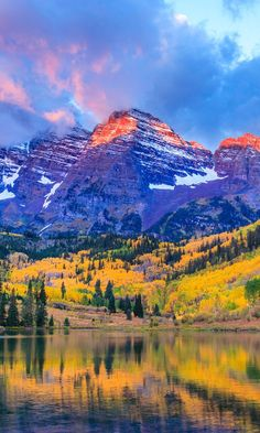 The 10 Best Fall Hiking Trails in the U.S. World Traveler, Traveling Overseas, Travel Tips Tricks Hacks Gadgets, Bucket List Trips, Family Vacation, Wanderlust, Adventure, City Country Guide, Frequent Flyer, Nature, Explore, Escape, Packing, Honeymoon, Destination, Great Outdoors, USA, United States, North America, Hike, Backpack, Backpacking