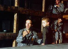 1999 - Roberto Benigni commuove il mondo e vince l'Oscar con il film 'La vita è bella' (Ansa)